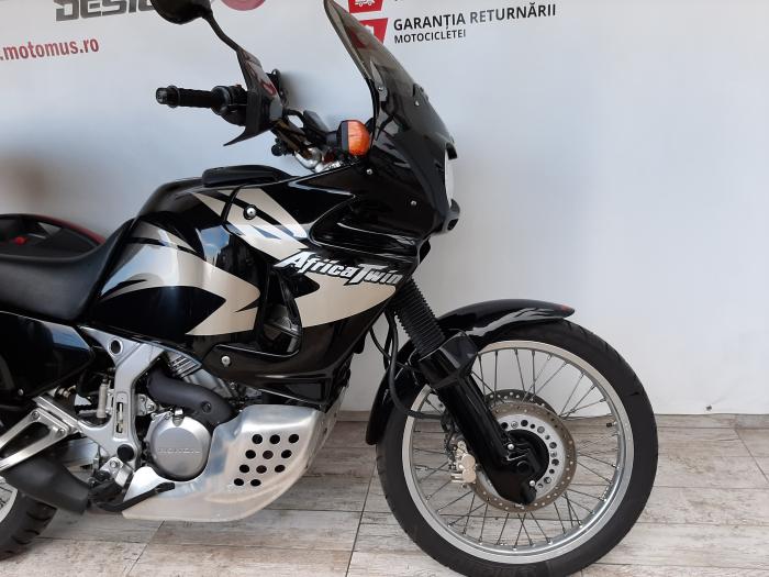 Motocicleta Honda Africa Twin 750cc 59CP - H10471 3