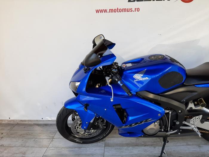 Motocicleta Honda CBR600 RR 600cc 115CP - SUPERBA - H03585 [8]