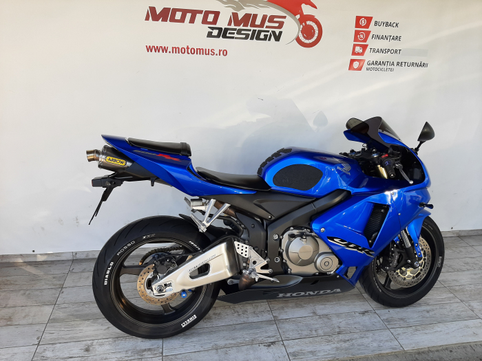 Motocicleta Honda CBR600 RR 600cc 115CP - SUPERBA - H03585 [1]
