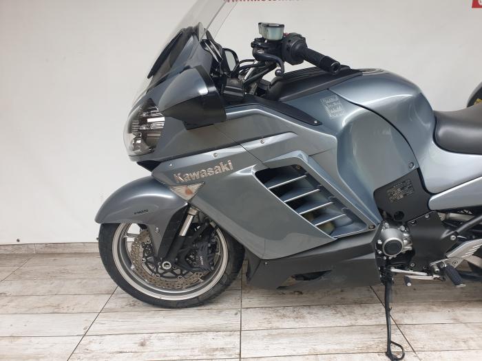 Motocicleta Kawasaki 1400 GTR 1400cc 155CP - K11193 8
