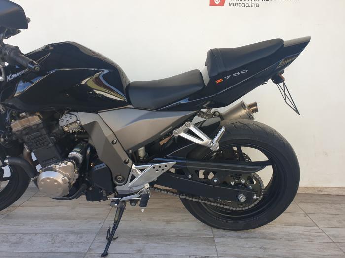 Motocicleta Kawasaki Z750 750cc 109CP - K16169 9