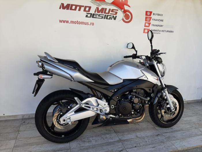 Motocicleta Suzuki GSR 600 600cc 96.5CP - S21495 [1]