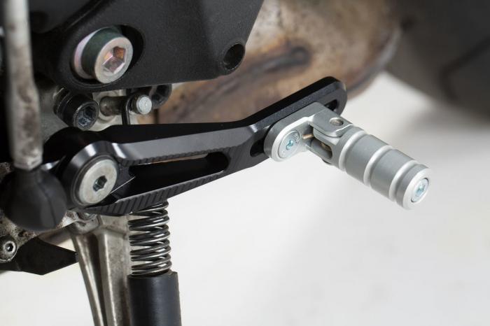 Pedala schimbator viteza Reglabil. Negru/Argintiu. Aluminium. Yamaha MT-10 (16-). [0]