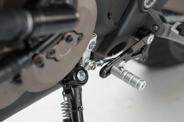 Pedala schimbator viteze Ducati Monster 821 / 1200 (14-).Reglabil 1