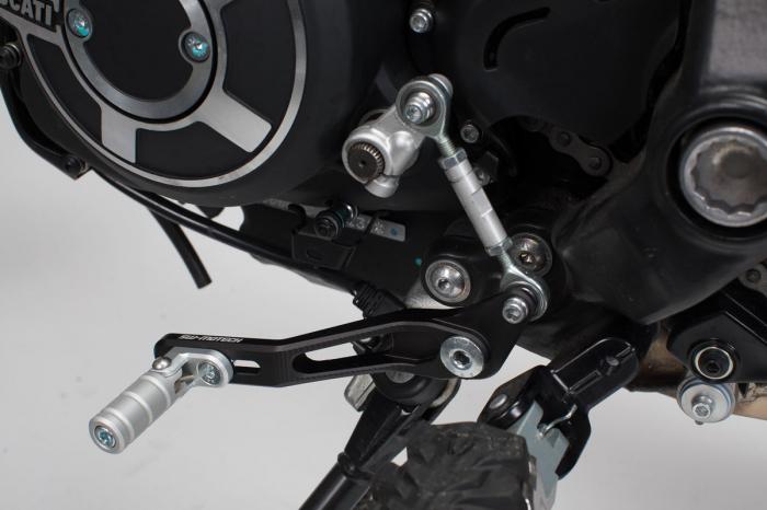 Pedala schimbator viteze Ducati Scrambler Desert Sled (16-).Reglabil 2