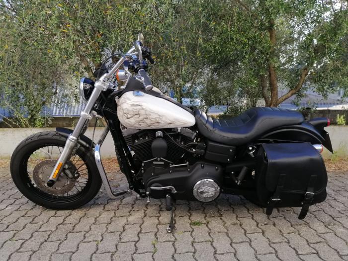 Harley-Davidson STREET BOB - an 2011 [1]