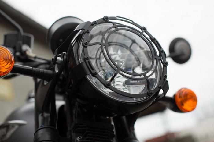 Protectie Far. Negru. Bonneville T120 (15-)/Thruxton1200 (16-) [1]