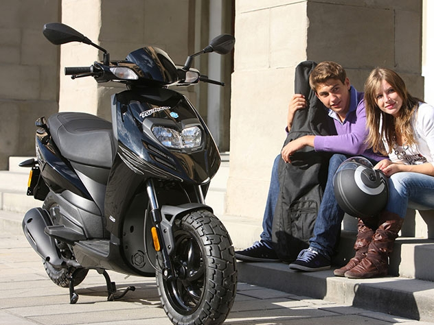 Scooter Piaggio TYPHOON 504T 6