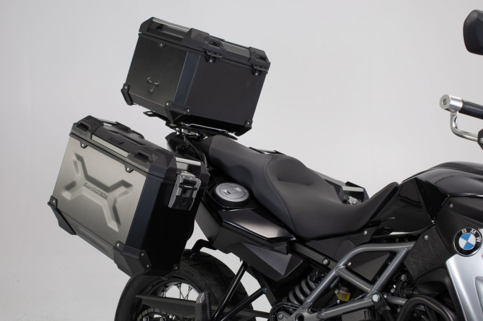 Set 3 cutii Adventure cu sistem fixare Argintiu. BMW F 800 / 700 / 650 GS (08-). 1