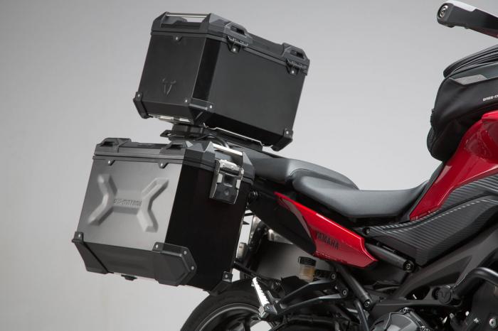 Set 3 cutii Adventure cu sistem fixare Argintiu. Yamaha MT-09 Tracer (14-). 2