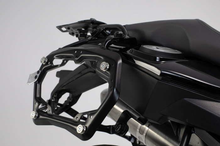 Set 3 cutii Adventure cu sistem fixare Negru. BMW F 800 / 700 / 650 GS (08-). 2