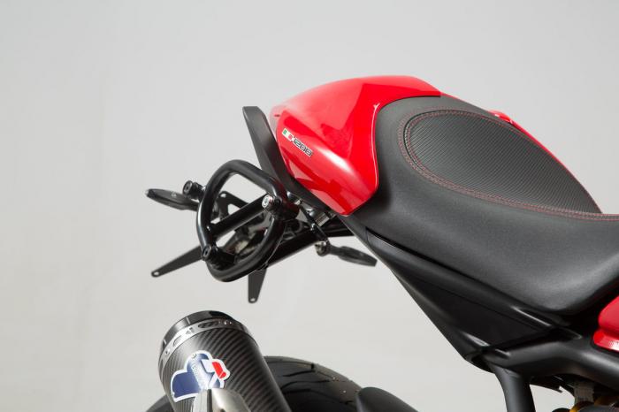 Set genti laterale Legend Gear - Black Edition Ducati Monster 1200/S (16-). 3