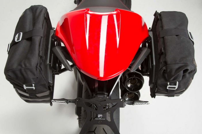 Set genti laterale Legend Gear - Editie Neagru Ducati Monster 797 (16-). 3