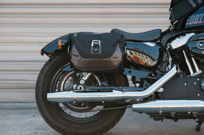 Set genti laterale Legend Gear - Editie Neagru Harley Davidson Sportster models (04-). [4]