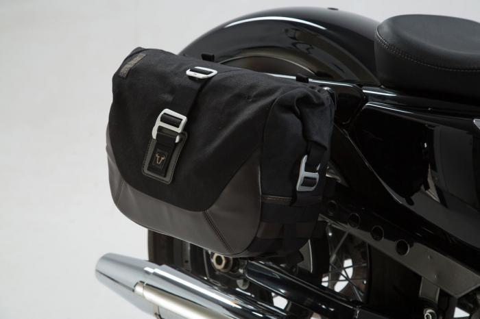 Set genti laterale Legend Gear Harley Davidson Sportster models (04-). 0
