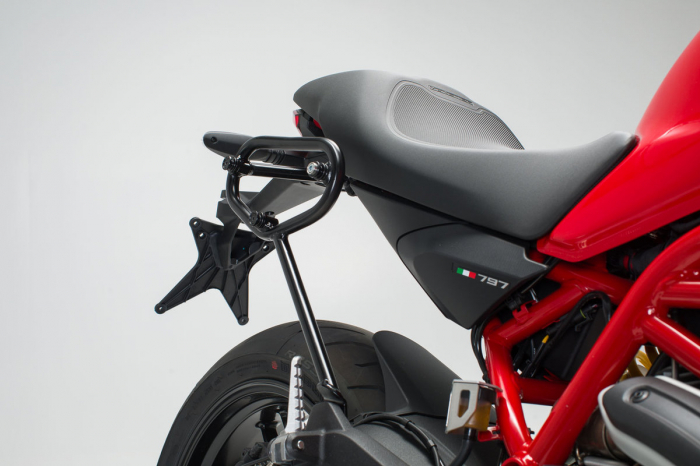 Set genti laterale Urban ABS cu sistem fixare. 2x 16 l. Ducati Monster 797 (16-). 2