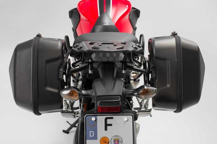 Set genti laterale Urban ABS cu sistem fixare. 2x 16 l. Honda CB650F (14-) / CBR650F (16-). 3