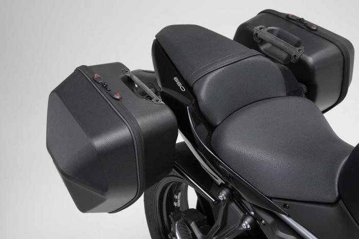 Set genti laterale URBAN ABS cu sistem fixare. 2x 16 l. Kawasaki Z650 / Ninja 650 (16-). 1