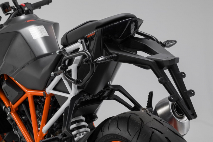 Set genti laterale Urban ABS cu sistem fixare. 2x 16 l. KTM 1290 Super Duke R (16-). 2