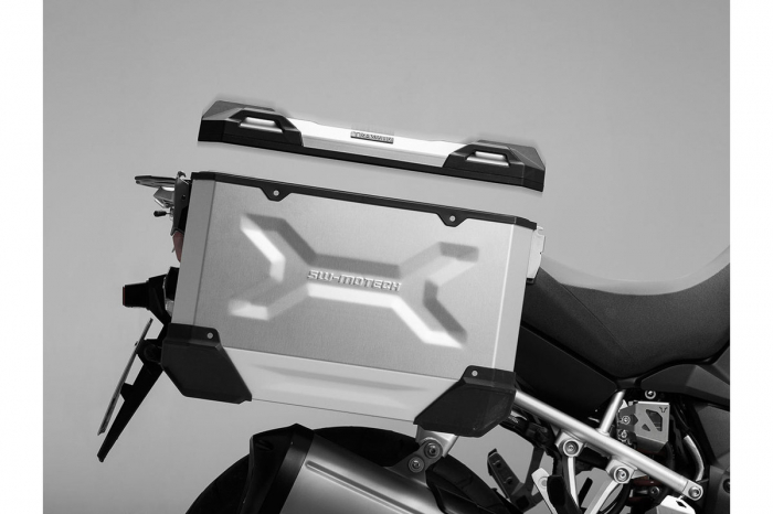 Side Case aluminiu TRAX ADV M 37 l. Stanga. Argintiu. 49x23x37 cm. 3