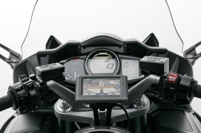 Suport cu absorbant soc pentru GPS Yamaha FJR 1300 2004-2005 [0]