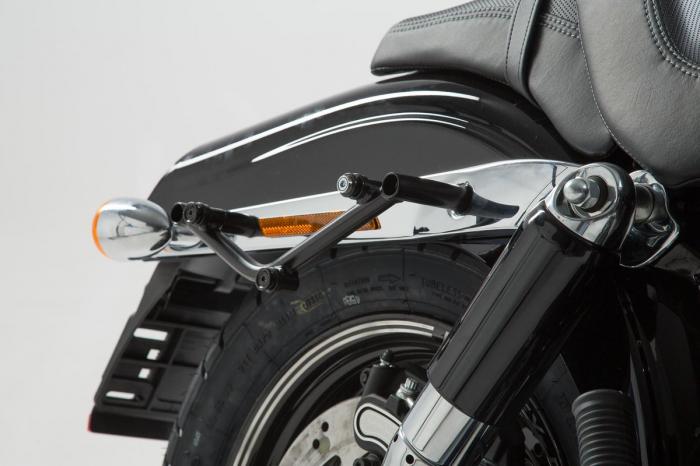 Suport geanta SLC stanga Harley Davidson Dyna Fat Bob (08-). 0