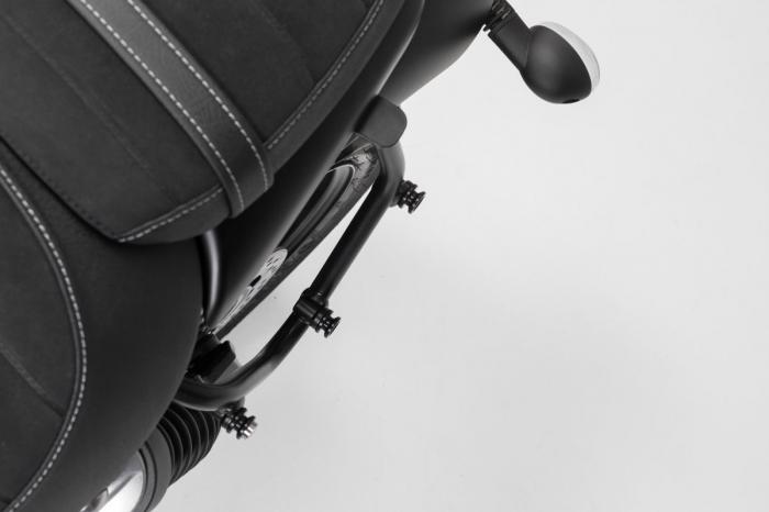 Suport geanta SLC stanga Triumph Street Twin 900 (16-). [1]