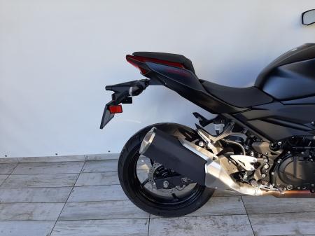 Motocicleta Kawasaki Z400 ABS 400cc 44CP-K3481 se poate conduce cu A22
