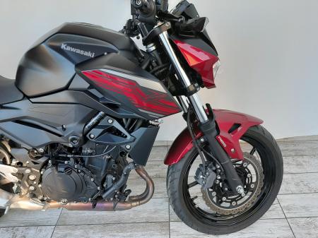 Motocicleta Kawasaki Z400 ABS 400cc 44CP-K3481 se poate conduce cu A23