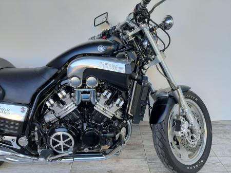 Motocicleta Yamaha V-Max 1200cc 100CP - Y540413