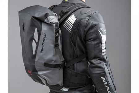 Backpack Triton Tarpaulin. Impermeabil. Gri/Negru 20 l.2