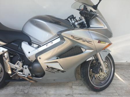 Motocicleta Honda VFR800 V-Tech 800cc 107CP - SUPERB - H00575 [3]