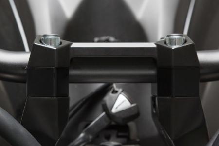 Inaltator ghidon D. 22 mm. h 20 mm. Negru. LEH.08.039.12501/B