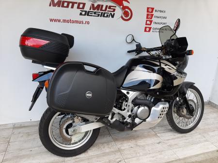Motocicleta Honda Africa Twin 750cc 59CP - H104711