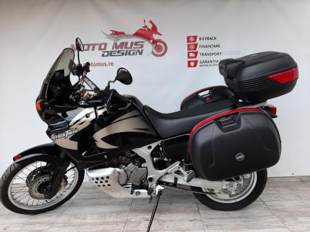 Motocicleta Honda Africa Twin 750cc 59CP - H104716