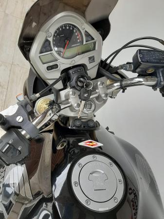 Motocicleta Honda HORNET 600cc - H1398010