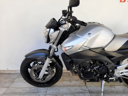 Motocicleta Suzuki GSR 600 600cc 96.5CP - S21495 [7]