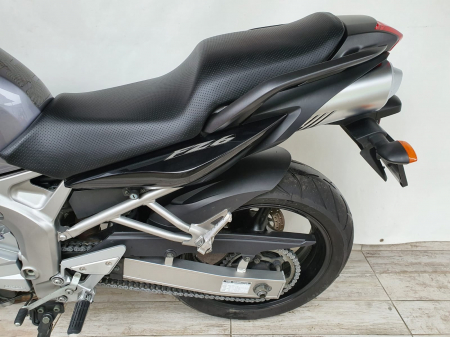 Motocicleta Yamaha FZ6 96.5CP 600cc - Superb - Y203898
