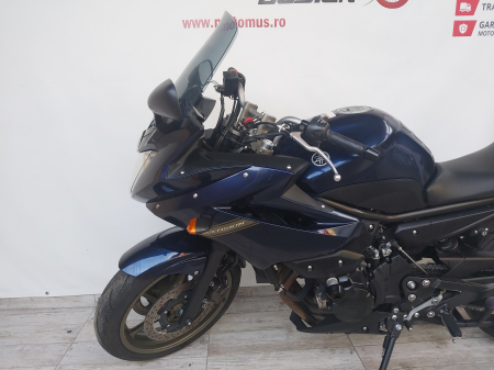 Motocicleta Yamaha XJ6 Diversion 600cc 76CP - Y023528