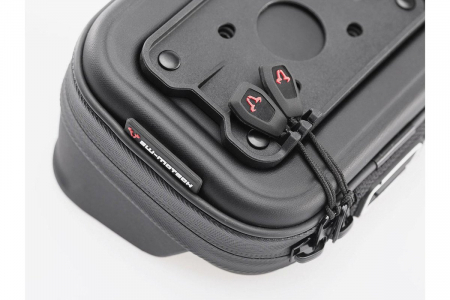 Navi case Pro M negru, rezistent la apa penru dispozitive pana la 130x95x25 mm. [1]