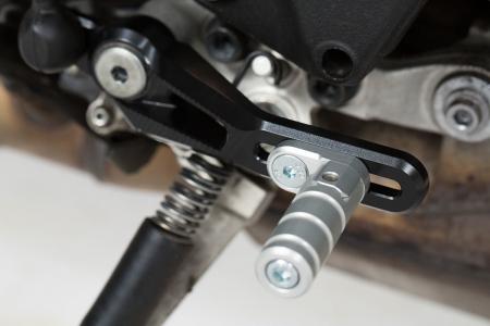 Pedala schimbator viteza Reglabil. Negru/Argintiu. Aluminium. Yamaha MT-10 (16-). [1]