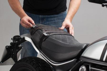 S-hooks pentru Legend Gear side bags Aluminium. Silver anodized. In pairs.3