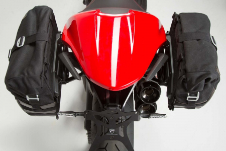 Set genti laterale Legend Gear - Editie Neagru Ducati Monster 797 (16-). [3]