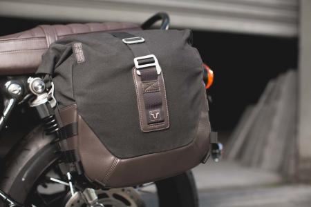 Set genti laterale Legend Gear - Black Edition Triumph Bonneville T100 (16-) / T120 (15-).1