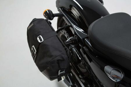 Set genti laterale Legend Gear Harley Davidson Sportster models (04-).1