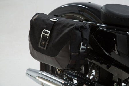 Set genti laterale Legend Gear Harley Davidson Sportster models (04-).0