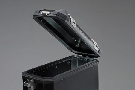 Trax Ion M Side case. Aluminium. 37 l. stanga. argintiu4