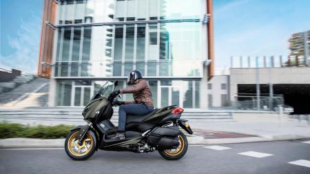 Yamaha X-Max 300 Tech Max [6]