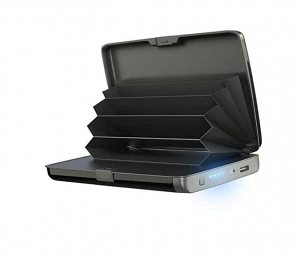 Baterie externa + Portofel Integrat 3