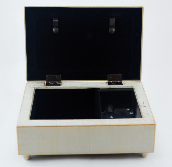 Cutie muzicala realizata din lemn pentru depozitarea bijuteriilor – Design vintage #2 2